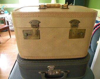 Traincase upcycled with Vintage handmade lace, Wedding card case, storage case