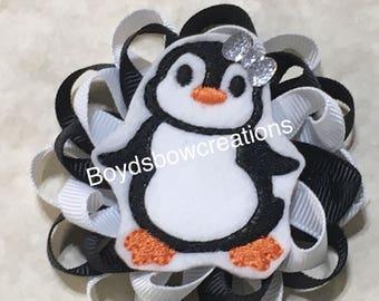 Penguin felt loopy bow