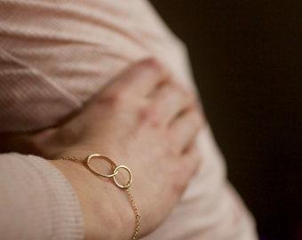 two circle bracelet, gold circle bracelet, silver circle bracelet, mothers day gift, mothers bracelet, connected circles, B04