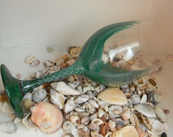 Green Mermaid Tail Wine Glass//Beach Theme Gift//Gift for Bridesmaid//Gift for Her//Ocean Lovers Wine Glass