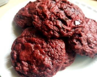Delicious red velvet chocolate chip cookies