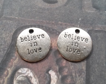 Word Charms Pendants Believe in Love Charms Antiqued Silver Quote Charms-10pcs