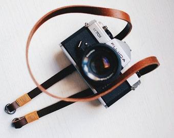 Tracolla in vero CUIO per fotocamere Mirrorless o Reflex SPEDIZIONE GRATIS - Camera Strap marrone e gold pelle leather vintage cinghia made