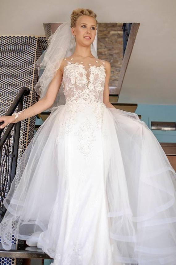 Weiße ärmellose Prinzessin Hochzeit Kleid Brautkleid