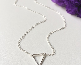 Dainty Necklase in Sterling Silver, Triangle Necklace, Chain Choker, Simple Chain Necklace