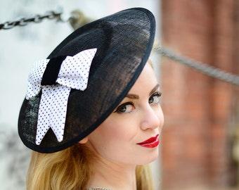 Fascinator black white, Vintage Headdress, Race Big Hat, Black and White, Brides Mother, Wedding Guest Fascinator, Valentines Day Hairstyle