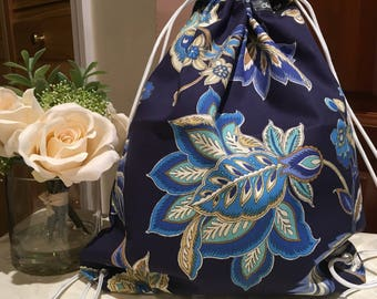 Drawstring Bag (1X) blue bag with cream flower pattern