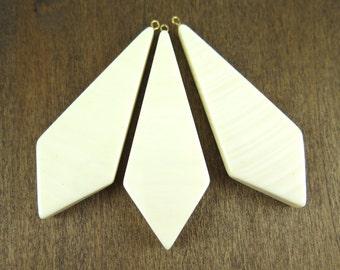LOW Stock - Vintage Plastic Faux Ivory Diamond Pendants (2X) (P509)