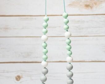 teething necklace / breastfeeding / portage / silicone
