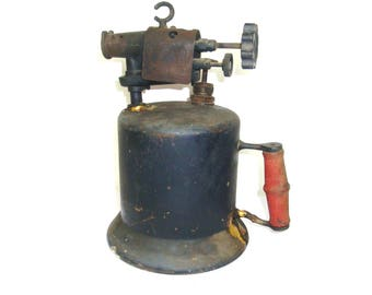 """Antique Kerosene Blow Torch. Marked The Turner Brass Works Trade Mark Sycamore ILL. Non tested torch is 11"""" tall. Primer pump works"""