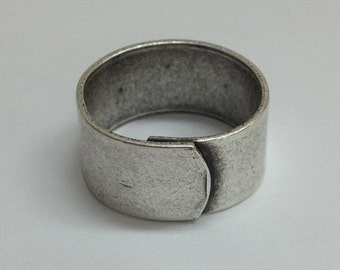 Wide Ring Blanks - 4 Antiqued Silver Ox (oxidized) PLAIN Wide Band Adjustable Ring Blanks