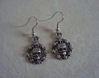 Metal skull earrings
