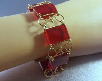 Lucite Bracelet, Cherry Red Link, Vintage Jewelry