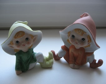 2 Vintage Hand Painted Pixie Elf Leprechaun Figurines/Hand Painted/Charming Faces//HOMCO//Holiday Decoration/Art Craft Supply//Garden Gnomes