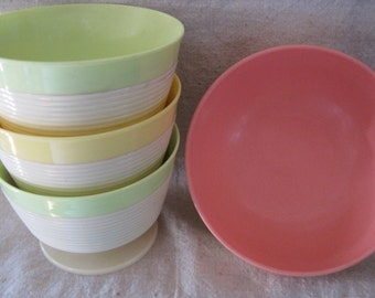 Vintage Colorful Thermo-Temp Raffiaware Ice Cream/Sherbert Bowls