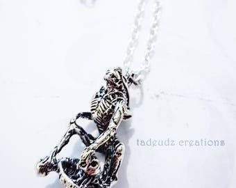 Aliens Inspired Silver Xenomorph Pendant