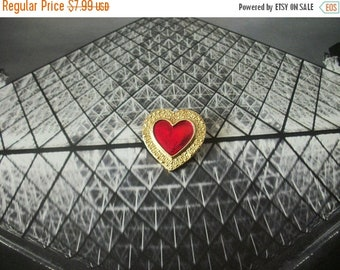 ON SALE Vintage 1970s Gold Tone Texturted Metal Red Enameled Heart Pin 82516