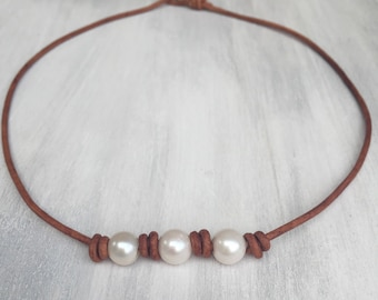 Pearl leather necklace, gift for her, gift for women, freshwater pearl necklace, pearl jewelry, pearl and leather jewelry,