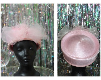 60's Pink Pill Box with Pink Lace Bow *Excellent Condition