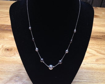 Vintage Silvertone Necklace with Gray and Silvertone Beaded Accents, Length 17''