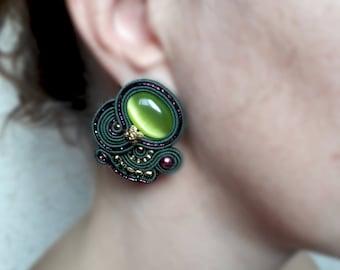 Clip soutache Earrings green fuchsia earrings textile earrings clip-on Handmade everyday earrings medium small earrings woman gift for her
