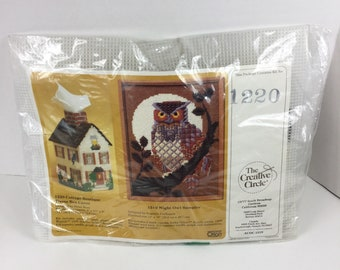 Vintage Creative Circle Plastic Canvas Tissue Box Cover Kit,Cottage,Cat in Window,Boutique,1220,1986