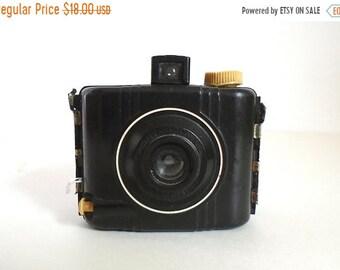 Sale - Vintage 1940's Baby Brown Special Kodak Bakelite Camera