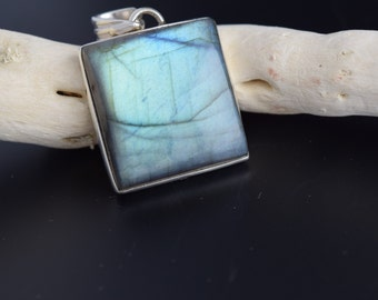 Sterling Silver Labradorite Pendant with Chain
