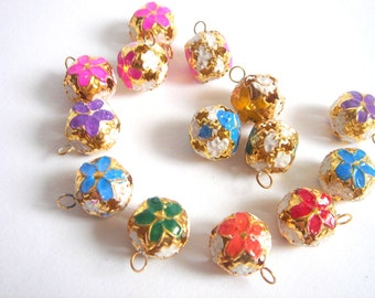 10 Painted Flowers Ball  Cloisonne Pendants  with tinkler  inside the ball  15mm