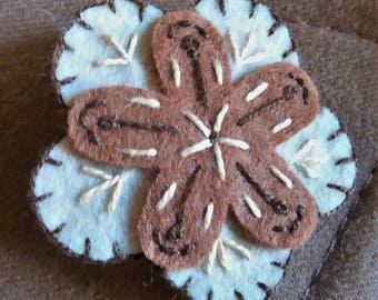 Double beige and brown felt flower brooch
