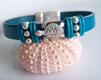 Leather Turtle Focal Bracelet - Item R2593