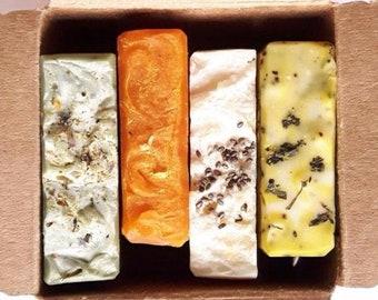 BOX with 4 mini soaps -Mini Soap - Guest Soap - Artisan soap - Soap Favor - Handmade Soap - Travel Soap - Multicolor