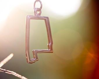 Alabama 14 Karat Gold State Necklace