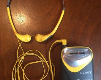 Sony Walkman Sports Works Good . Vintage sony walkman . Vintage walkman . Walkman
