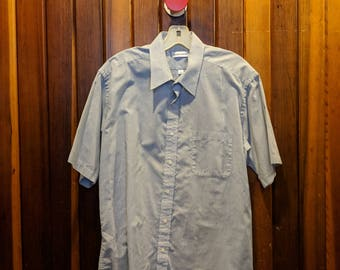 1980s // PIERRE CARDIN // Vintage Pierre Cardin Size S Short Sleeve Button Down