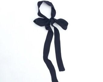 Black midi skinny scarf in silk