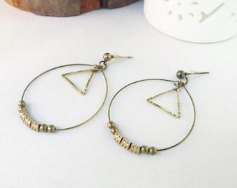 Minimalist hoop earrings in bronze metal and brass triangle