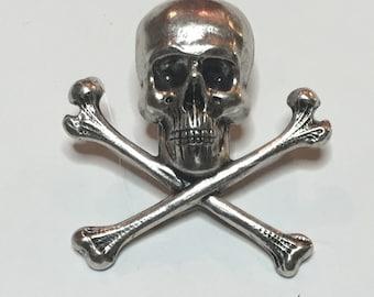 Skull & Cross Bones Lapel Pin