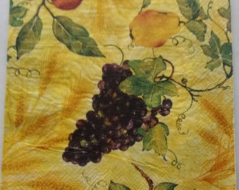 10 fruit apples pears REF grapes paper napkins.   3693