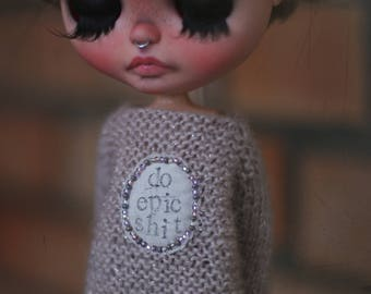 "Oversize sweater ""epic sh#t"" knitted handmade custom ooak outfit for Blythe doll"