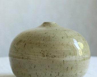 Marbled ceramic bubble vase, round marbled bud vase, minimalist pottery, modern ceramic bud vase, single stem vase