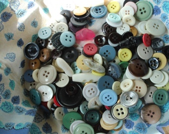 Vintage Mixed Buttons, Variety Lot, Sewing, Craft, Findings, Novelty, Scrap Booking, Gems, Many Sizes, Multi Colored, 5 Ounces #BI