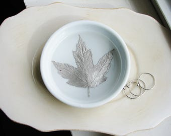 Silver Maple Leaf Ring Dish, Ceramic Ring Dish, Nature Dish, Engagement Gift, Wedding Gift, Jewelry Organizer