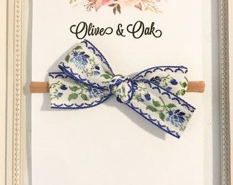 HANDTIED- vintage blue floral
