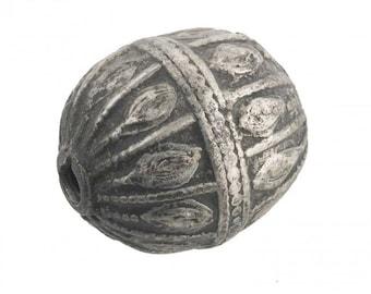 Antique silver Yemeni bead, 30x28mm. b18-585cs(e)