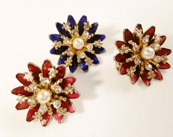 Coro Scatter Pins, Vintage Jewelry Set, Rhinestone Jewelry, Coro Brooches, Vintage Enamel Flowers, Red & Blue, Rhinestone Brooch, Pearl Pin