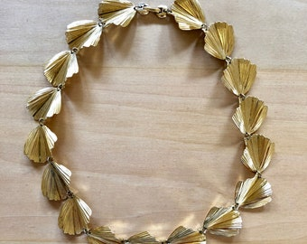 Vintage Gold Leaf Cleopatra Necklace// 1950s Gold Leaf Necklace Egyptian Style Costume Jewelry
