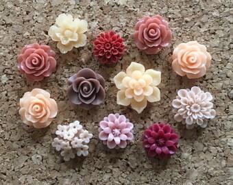 Flower Thumbtacks or Magnets Set of 12 - (#173) dorm decor, hostess gift, weddings, bridal shower, baby shower, gift, teacher gift