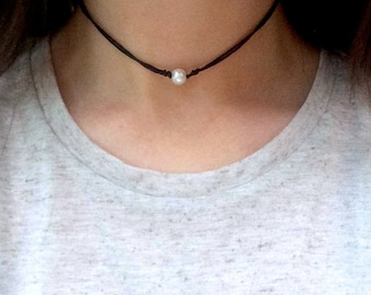 Boho Pearl Choker, Adjustable Cord Necklace, Layering Necklace, Everyday Jewellery, Single Bead Choker, Indie Hipster Jewellery, Pastel Goth