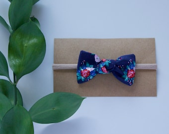 Classic Floral Square Knot Bow // knot bows for baby // headbands for baby // baby bows/ baby headband // nylon headbands // hair clips